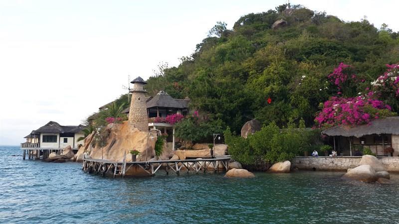 yen-hideaway-resort-ngoc-suong-resort-3-1088x400