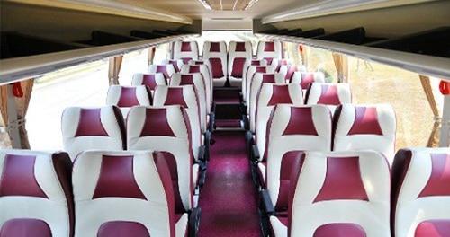 Kiểm tra hệ thống ghế ngồi, lót sàn… trước khi nhận xe
