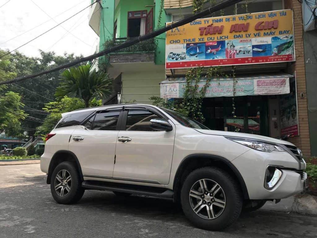 Cho thuê xe du lịch 7 chổ fortuner 2019